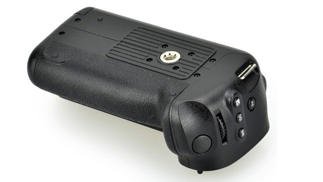 Battery-Grip_side-Bottom_web