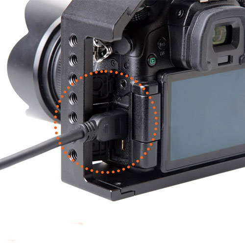 HDMI cable cable goes into the camera without the cage getting in the way.