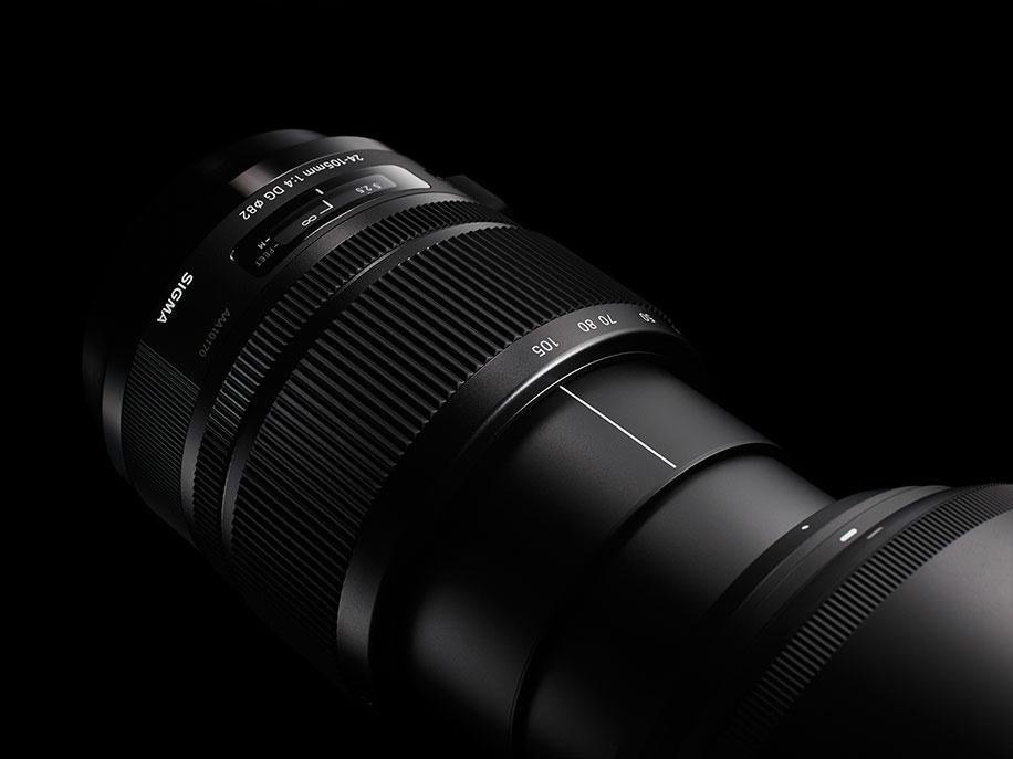 Sigma-24-105mm-f4-DG-OS-HSM-lens-3