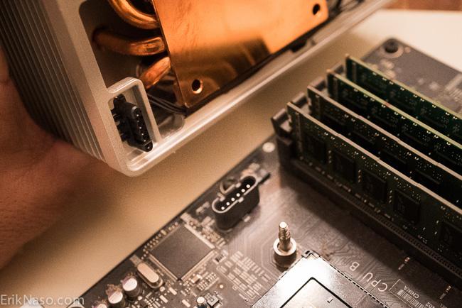 Heatsink Fan Plug and board input (1 of 1)